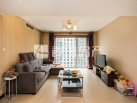 精装修南向两居室 双卫 楼层高 有阳台 视野开阔 干净整洁 舒适温馨